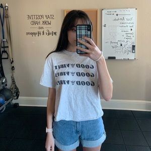 brandy melville good vibes crop top!!